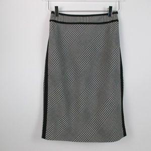 White House Black Market Houndstooth Skirt Size 00